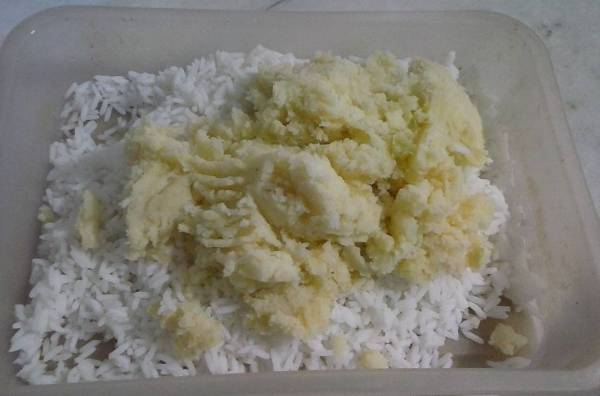 Croquetas de papa y arroz al horno