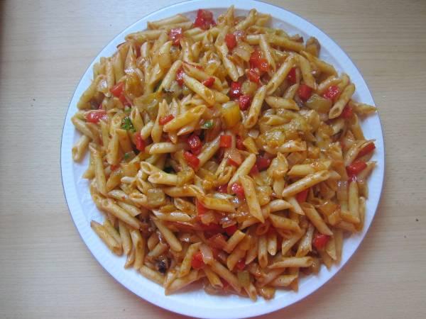 Macarrones con salsa de verduras