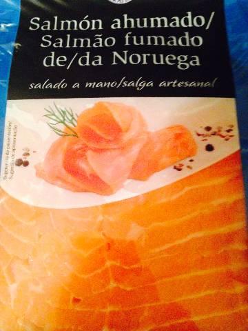 Montaditos de salmón ahumado